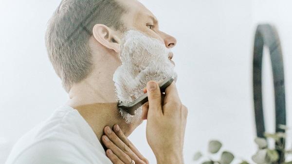 ヒゲ脱毛と毎日ヒゲを剃るのなら